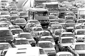 Imponen normas para aliviar congestión vial